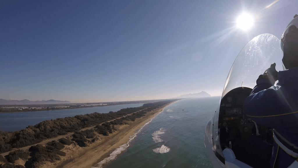 Flight along the coast south of Rome
