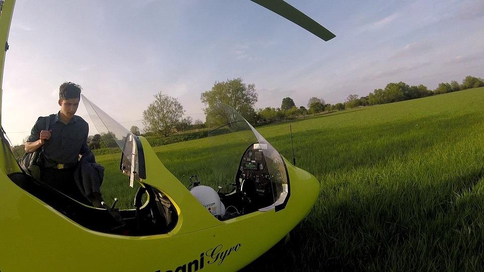 School pickup in a gyroplane