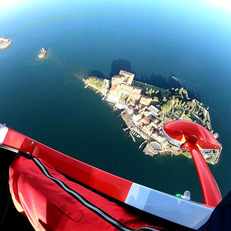En vuelo sobre el lago Maggiore y las islas Borromeo