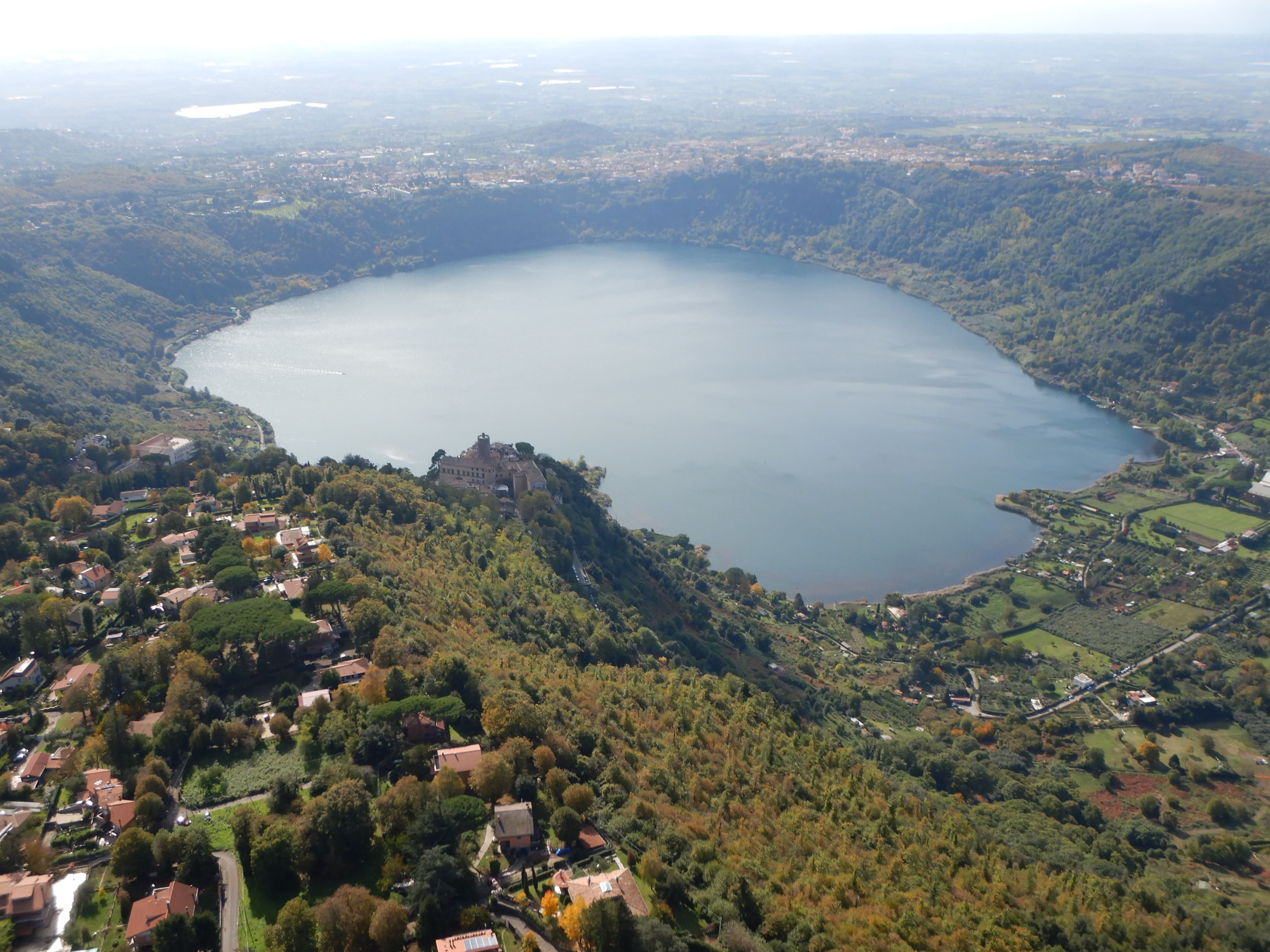 THE SPECTACULAR LAKES NEAR ROME