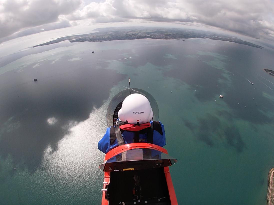 Un vuelo magnífico en un Magni M-16 a Sandown, Isla de Wight