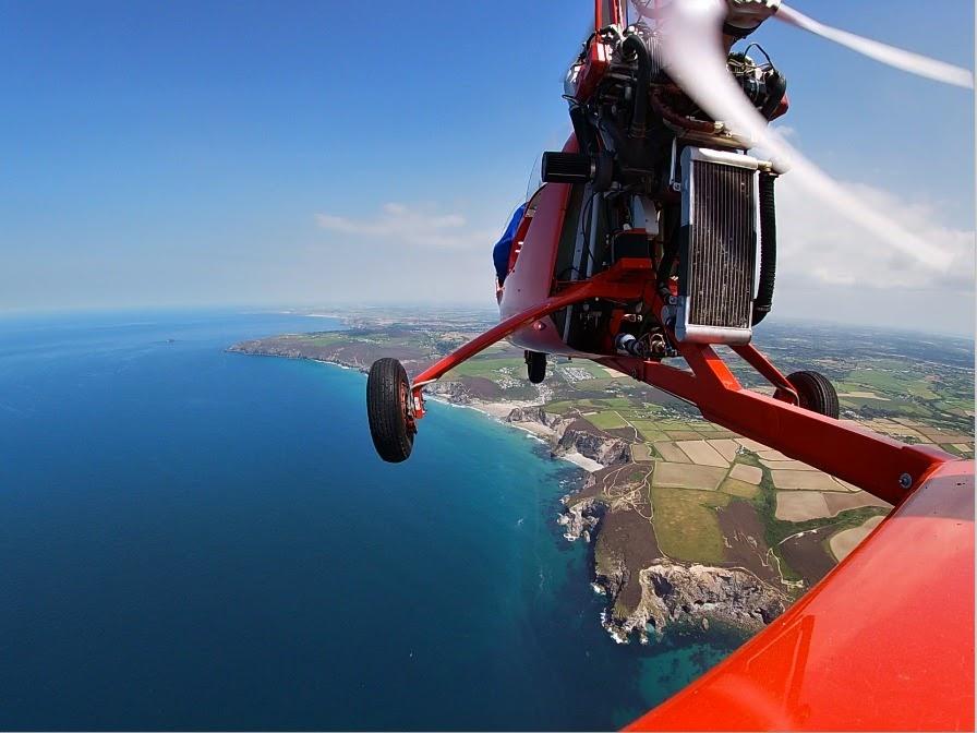 Around the Cornish Coast in a Magni M-16 Gyrocopter